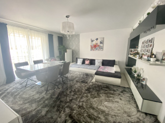 VA5 109754 - Apartament 5  camere de vanzare in Floresti