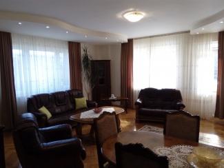 VC6 55096 - Casa 6 camere de vanzare in Floresti