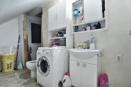 VC9 90516 - House 9 rooms for sale in Floresti
